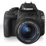 Canon Eos 100D con obiettivo